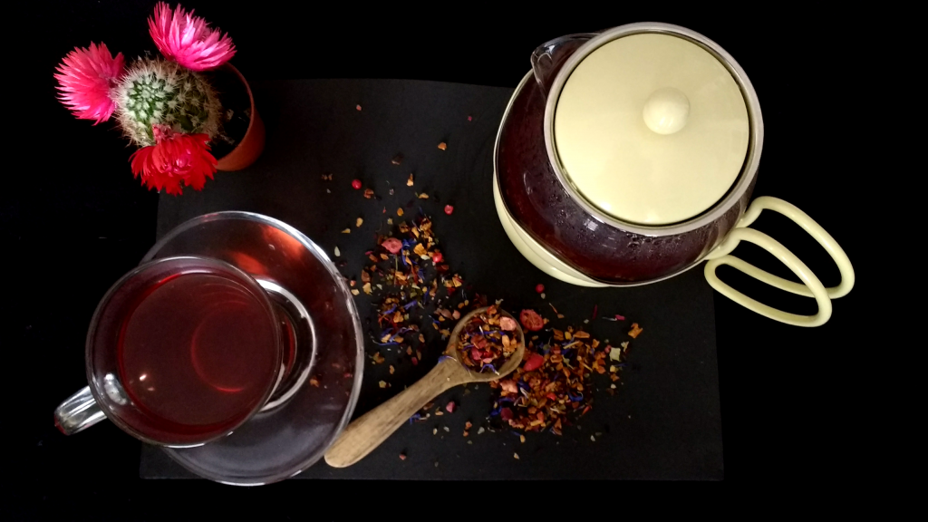 T2-Tea-Loose-Leaf-Herbal-Tea-Chilli-Berry-Boom