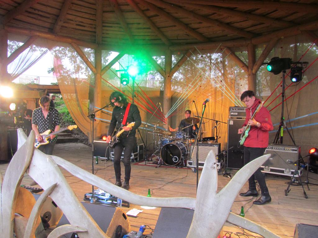 Electric-Picnic-Festival-Bob-Skeleton